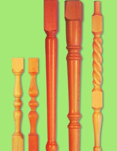 Regalsäulen und Tischbeine
